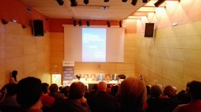 Intervenció d'Albert Pont durant el simposi / Fotografia d'Antoni Reus https://twitter.com/a_reus