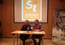Presentació de la candidatura a les Corts Generals de Sobirania i Progrés; d'esquerra a dreta, Mateu Matas i Josep de Luís (Fotografia: @Xiscomelia)