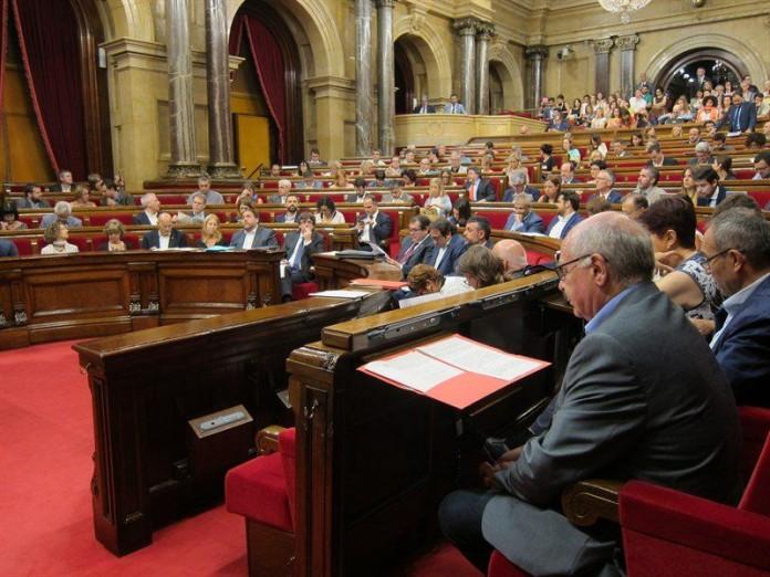El Parlament durant la sessió en què s'aproven les propostes de la Comissió d'estudi del procés constituent