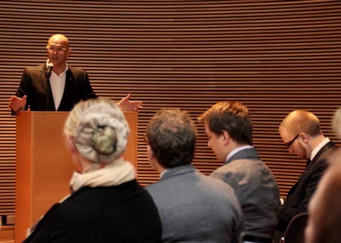 Romeva explica el full de ruta del Govern en una compareixença al Parlament de Finlàndia