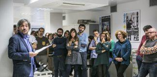 Carles Capdevila amb la redacció de l'Ara (Fotografia: FERRAN FORNÉ )