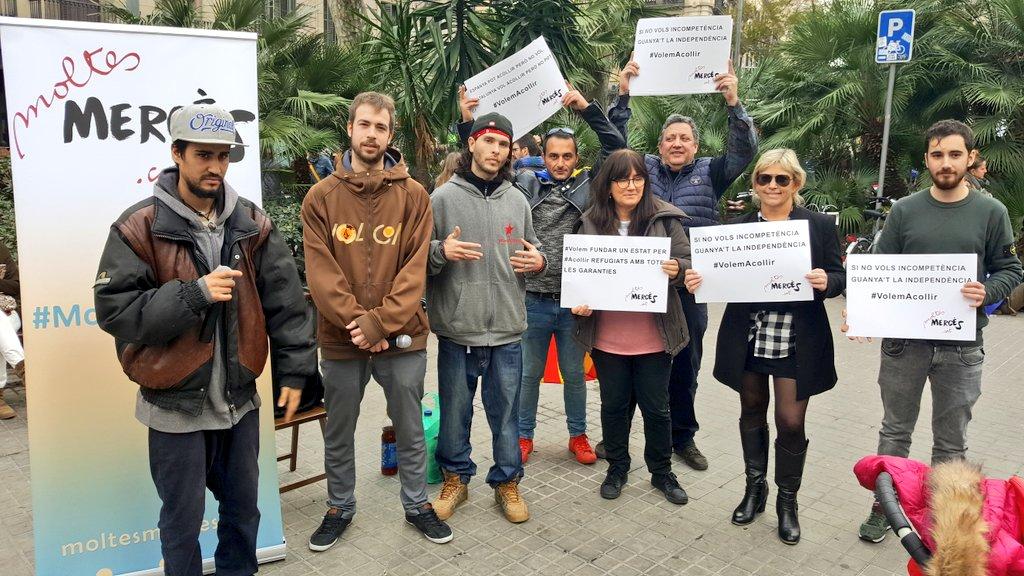 Moltes Mercès en la manifestació #VolemAcollir