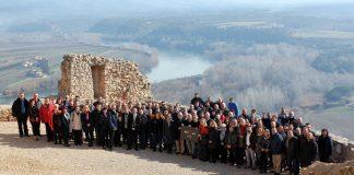 Foto dels assistents a la trobada de l'AECAT a Terres de l'Ebre al Castell de Miravet   AMI