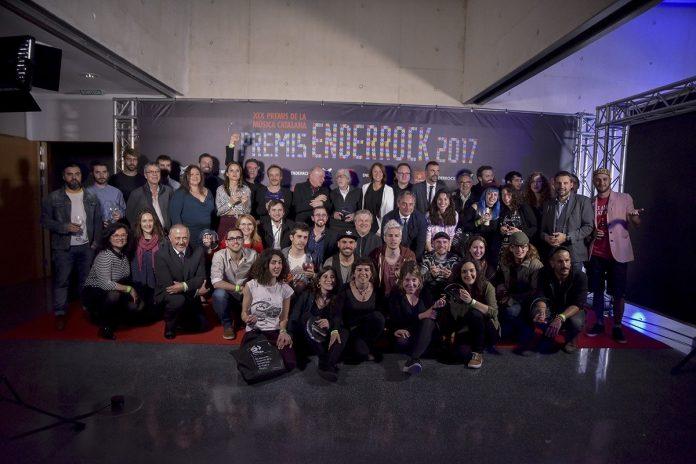 Foto de família dels Premis Enderrock | Xavier Mercadé