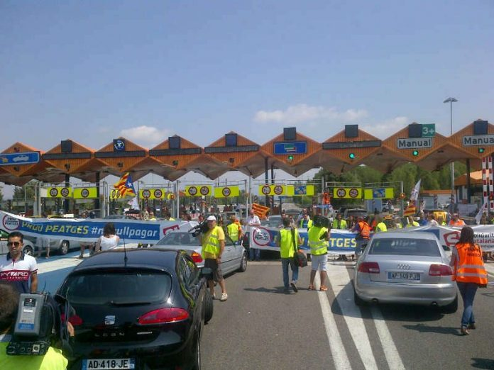 Un dels talls d'autopista de la campanya contra els peatges | Prou peatges