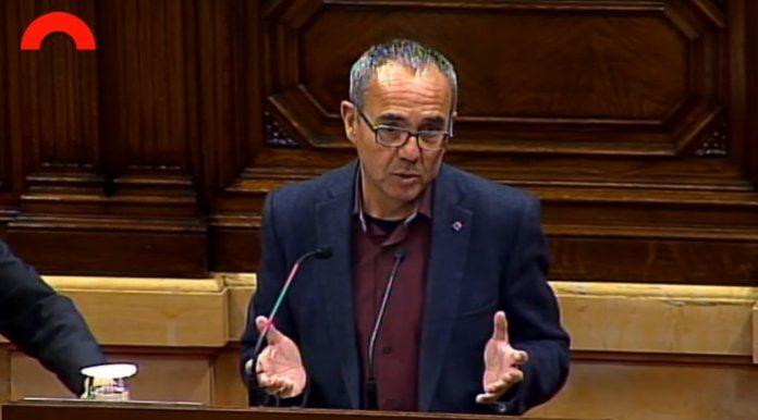Joan Coscubiela defensant la proposta d'acord al Parlament   CSQP