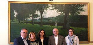 Representants del Departament de Cultura de la Generalitat de Catalunya, de la Generalitat Valenciana i del Govern de les Illes Balears, reunits a Reus