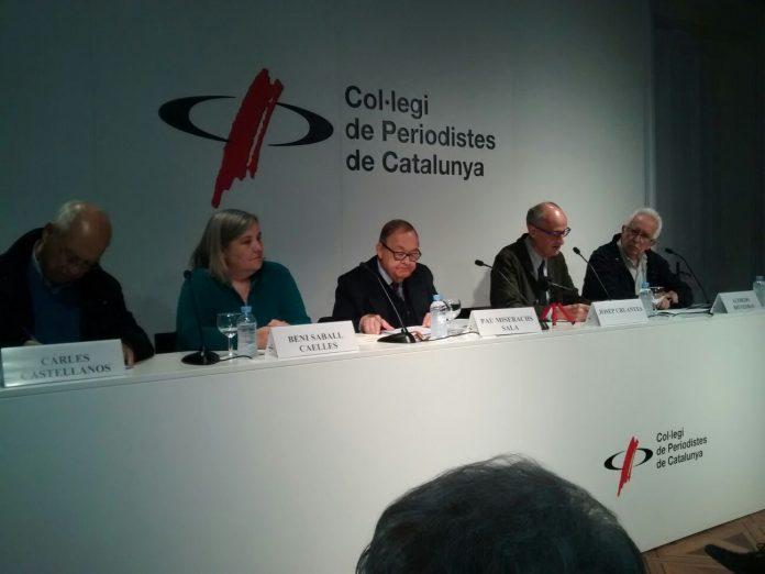 D'esquerra a dreta a la taula: Carles Castellanos, Beni Saball Caelles, Pau Miserachs Sala, Josep Cruanyes, Alfredo Bienzobas