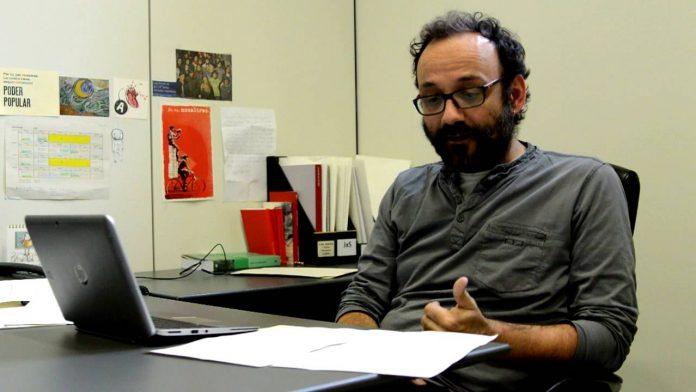 Benet Salelles al despatx del grup parlamentari   CUP