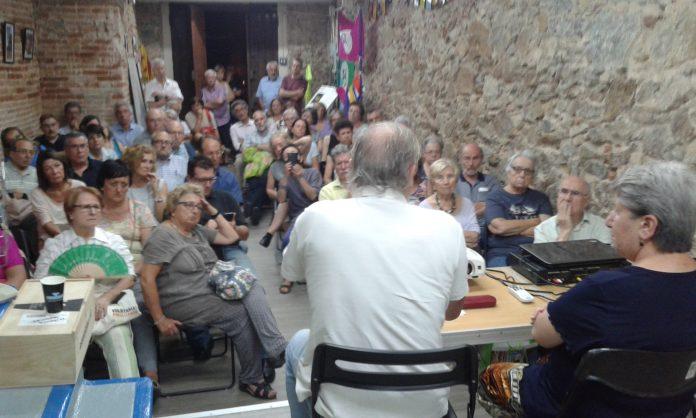 Un dels moments de l'acte sobre Xirinacs | Amàlia Bosch