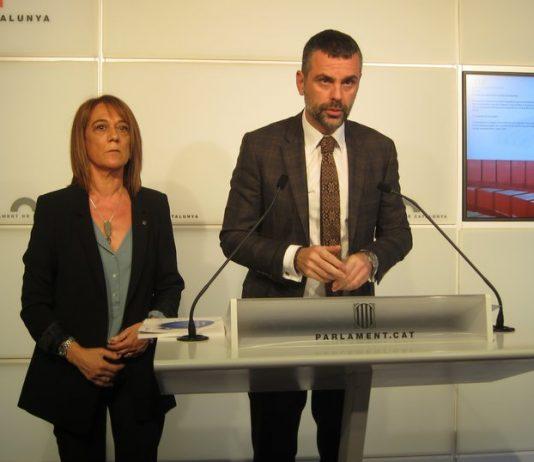 """Ester Franquesa, directora gral. de Política lingüística, amb el conseller el conseller Santi Vila   Arxiu """"El Punt-Avui"""""""