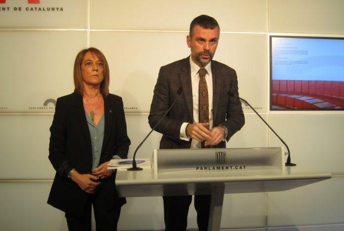 Ester Franquesa, directora gral. de Política lingüística, amb el conseller el conseller Santi Vila | Arxiu