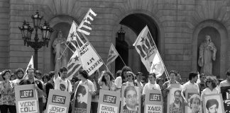 Concentració a Plaça Sant Jaume per l'alliberament dels presos durant els Jocs Olímpics