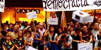 Concentració popular a Mataró per exigir les urnes l'1 d'octubre