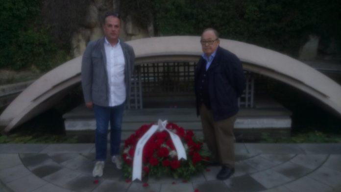 Ofrena de MES a la tomba de Lluís Companys   MESº