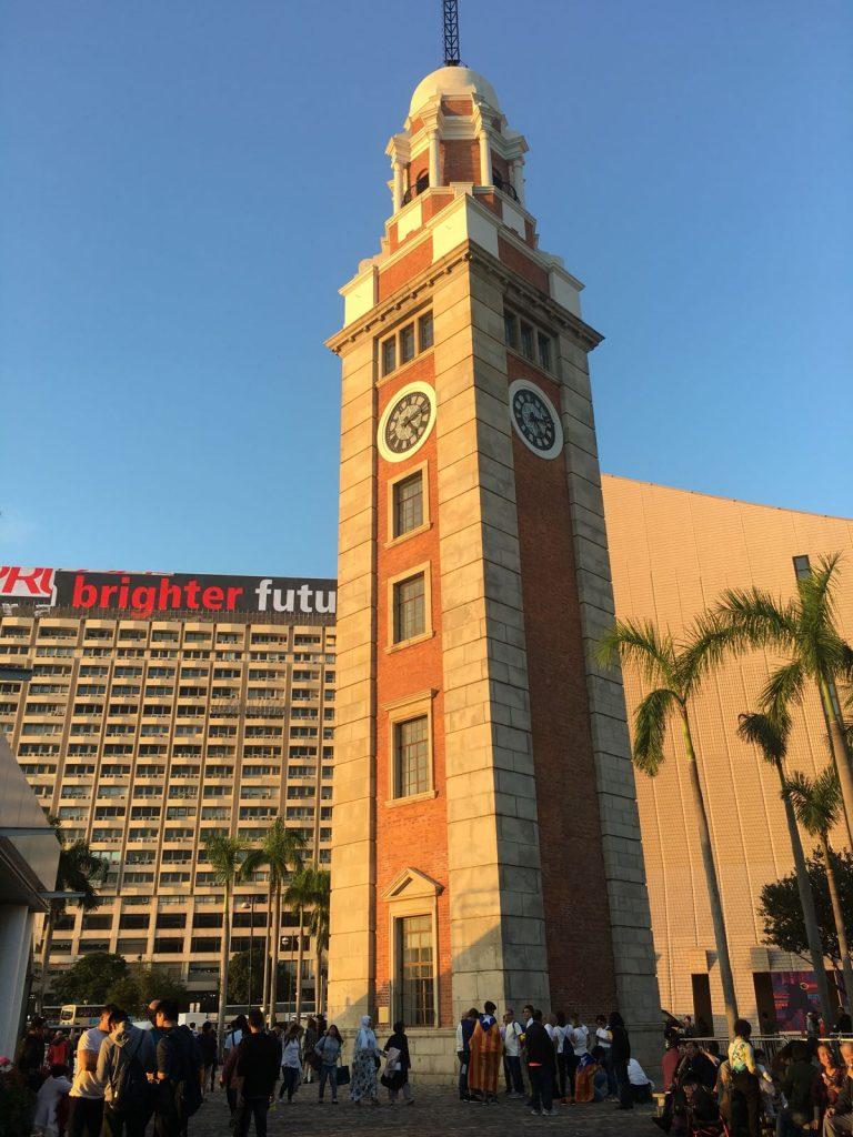 La torre del rellotge TST moment abans de la concentració | Suki Yip