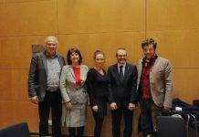 Elisenda Paluzie i el vicepresident del Parlament, Josep Costa, en una trobada amb Zaklin Nastic, Andrej Hunko i Diether Dehm, diputats del Die Linke al Bundestag, per parlar sobre la situació a Catalunya | Font: ANC