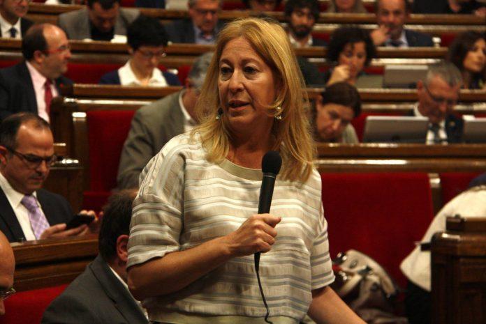 Foto de la consellera Neus Munté al ple del Parlament | Govern