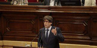 Carles Puigdemont durant la seva intervenció al Parlament