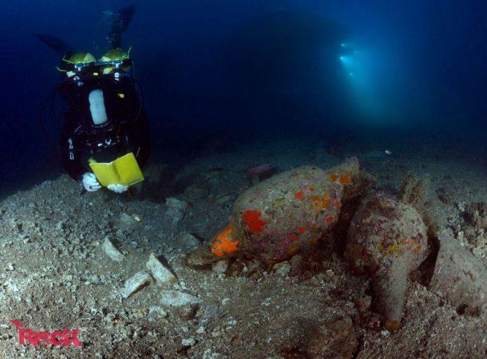 Treballs al vaixell romà enfonsat del segle I dC