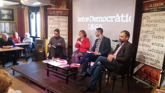 Moment de l'acte de presentació del llibre al Centre Democràtic i Progressista