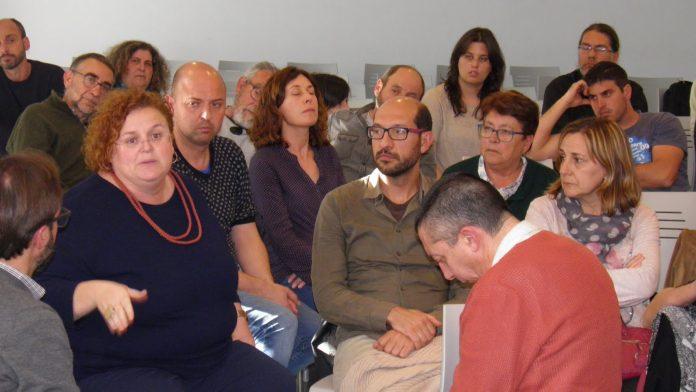 La consellera Ruth participant de l'assemblea de Més per Menorca | Més per Menorca