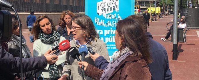 Eulàlia Reguant en roda de premsa exposant el posicionament de la formació de l'esquerra independentista | CUP