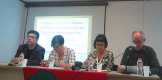 Joan Josep Nuet, Mireia Boya, Montse Palau i Pep Cruanyes durant la presentació de la propostició de llei | Comissió de la Dignitat