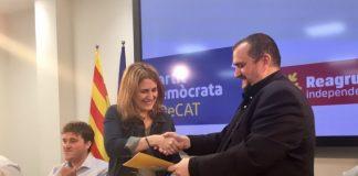Marta Pascal i el president de Reagrupament, Josep Sort en la signatura de l'acord de col·laboració entre les dues organitzacions | PDeCAT