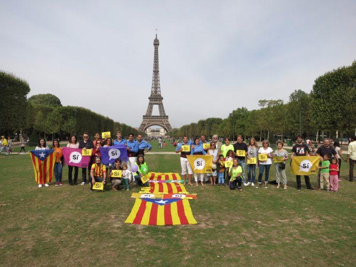 Concentració a París de l'ANC de França en motiu de la Diada Nacional | ANC