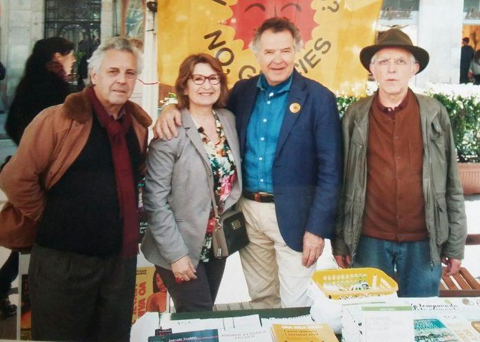 Xavier Garcia, Santi Vilanova i Pep Puig, membres de la Taula Permanent d'Alternativa Verda en una parada del partit | Alternativa Verda