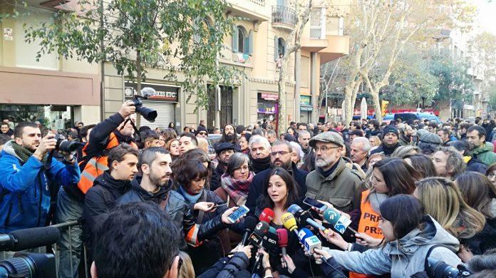 Maria Sirvent atenent els mitjans després del Consell Polític de la CUP anunciant la proposta de punts programàtics conjunts a ERC i JxCat | CUP Nacional