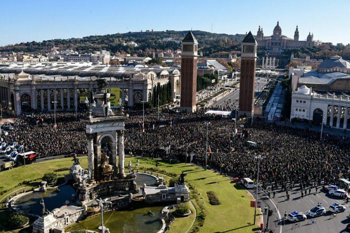 Vista panoràmica del concert de Músics per la Llibertat, el més gran de la història de Catalunya | Òmnium Cultural