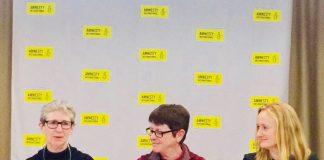 Roda de premsa d'Aministia Internacional a Pristina, a la dreta Gauri van Gulik   Aministia Internacional