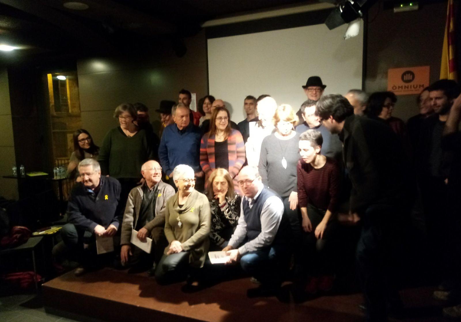 Participants del recital de poemes