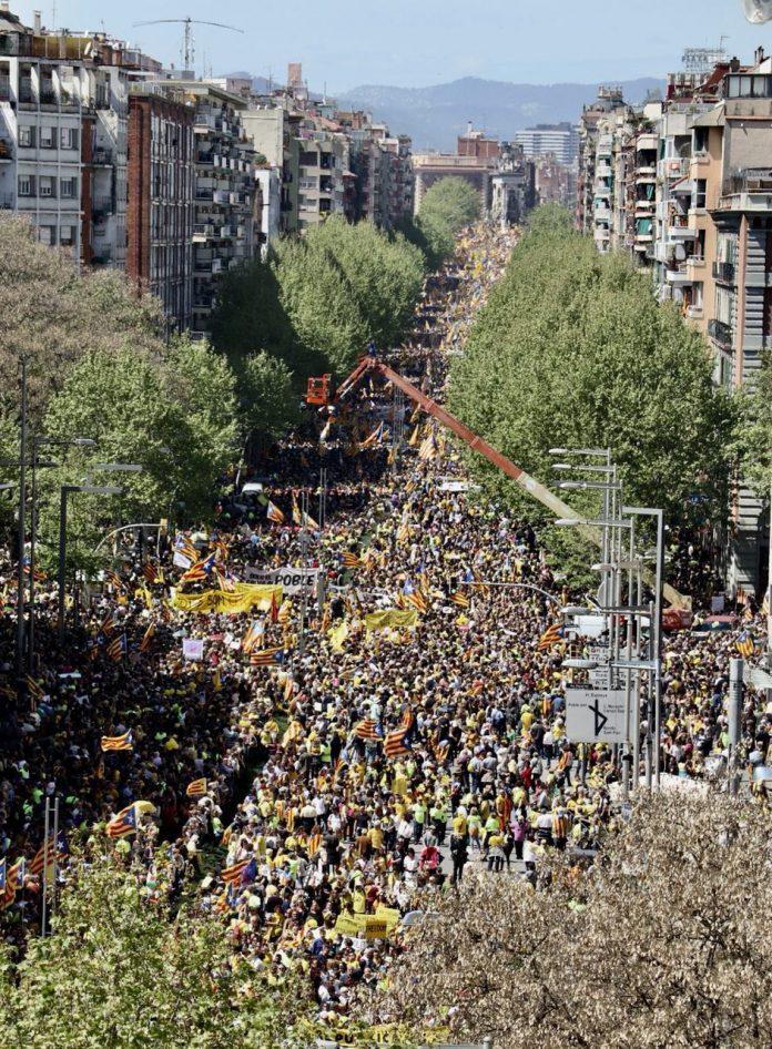 Moment de la manifestació a l'Avinguda Paral·lel | ANC
