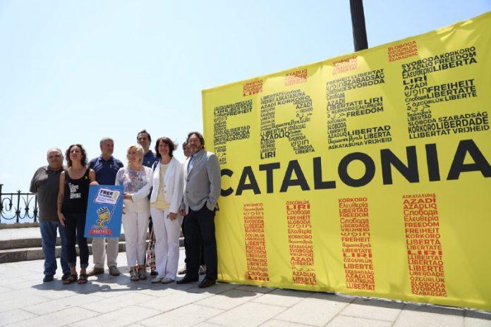 Les entitats sobiranistes denuncien la repressió política durant els Jocs Mediterranis | Assemblea Nacional Catalana