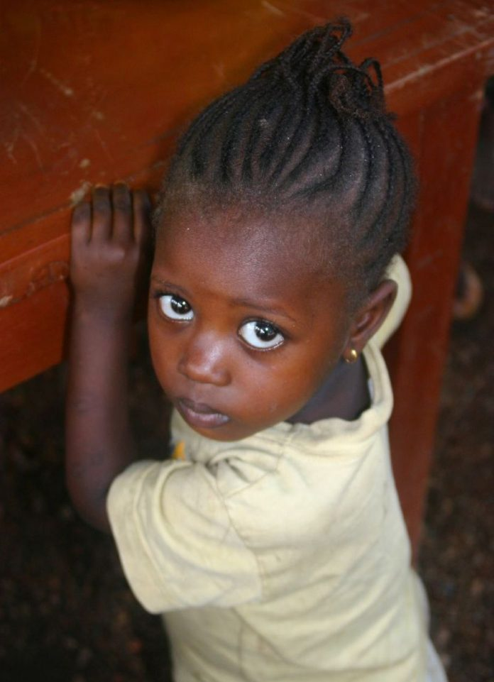 Nena de Malaforia, Districte de Koinadugu a Sierra Leone (2008) | Autor: Lindsay Stark