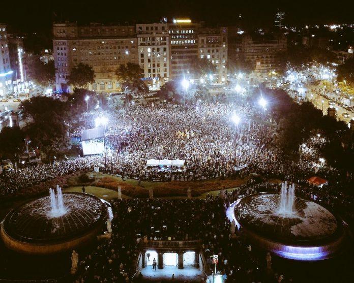 Plaça Catalunya, Barcelona, 1 any sense els Jordis