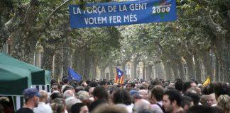 La riera d'Arenys de Munt plena de gent el dia de la consulta popular sobre la independència | Xavier Salbanyà