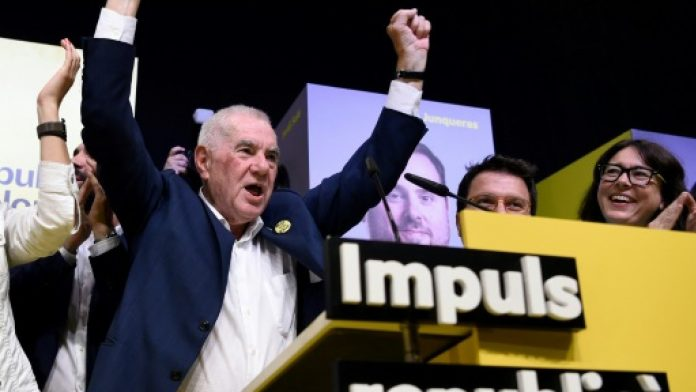 Ernest Margall celebrant els resultats electorals d'aquest diumenge