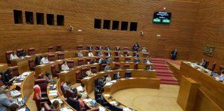 Les Corts Valencianes en un dels seus plenaris